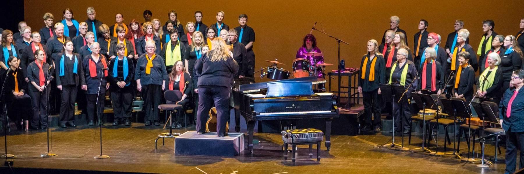 Soromundi Lesbian Chorus of Eugene
